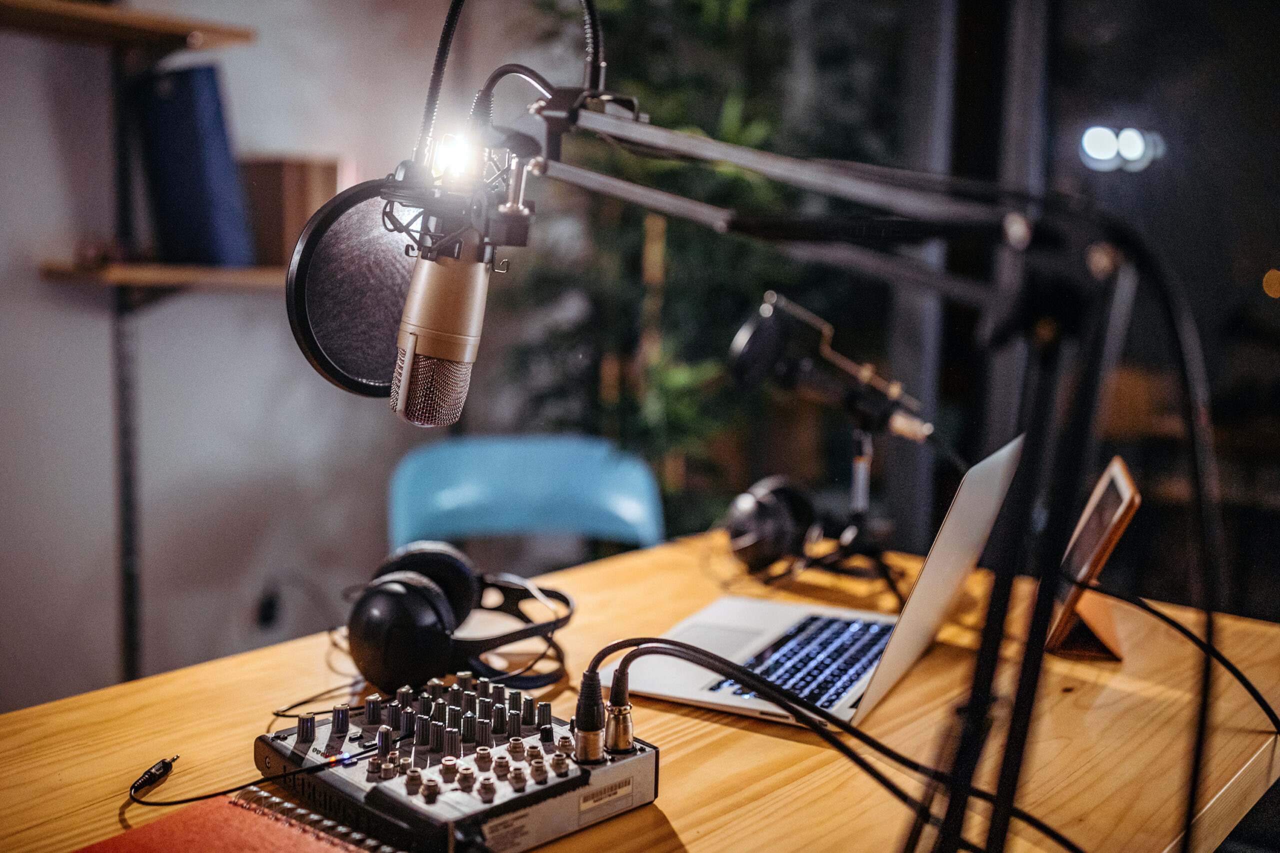 How to Use Podcasts in Your Online Marketing Strategy in Hindi